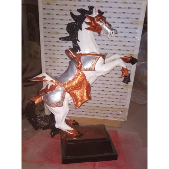 Horse Showpiece- Multicolor