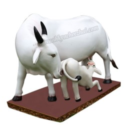 Milky White Cow with Its Calf Statue
